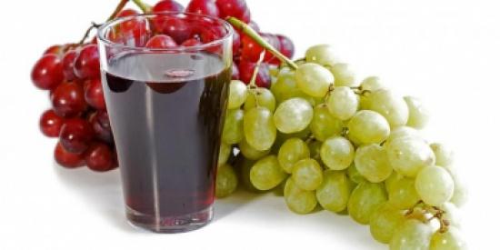 اكتشفي الفوائد السحرية لعصير العنب