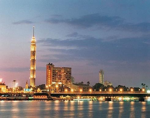 """شاب يحاول الانتحار من أعلى برج القاهرة و"""" صورة """" تنقذه"""