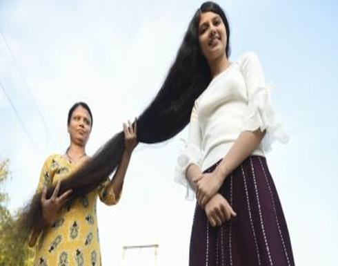 بالصور : فتاة هندية تدخل موسوعة جينيس بأطول شعر فى العالم بطول 190 سنتيمتر