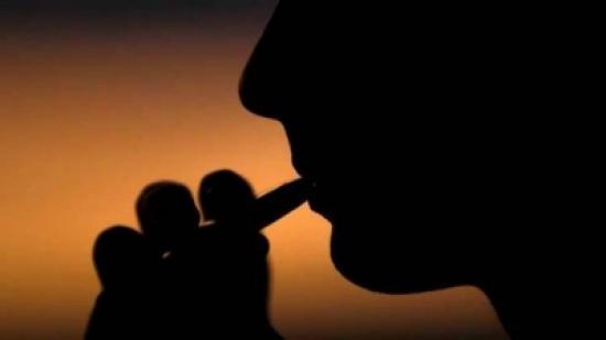 دراسة تكشف عن أخطار قاتلة في السجائر الإلكترونية