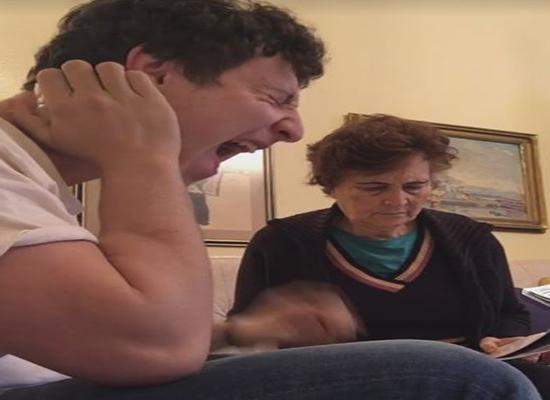 بالفيديو.. مقالب شاب في جدته تثير اعجاب رواد التواصل الاجتماعي