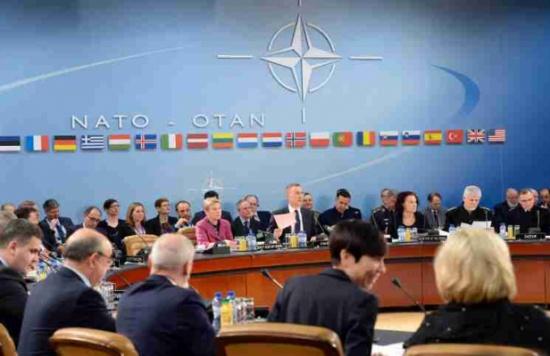 وزير الدفاع الروسي يحذر نظيره الأمريكي من مغبة مخاطبة موسكو بلغة التهديد