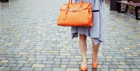 كيف تنسقين اللون البرتقالي مع ملابسك؟