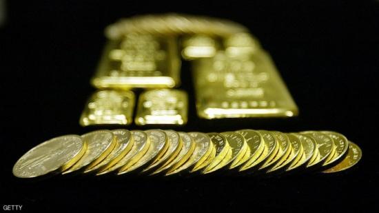 الذهب يرتفع ويتجه لتعزيز مكاسبه