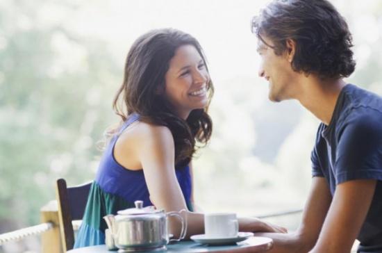 الرجل يفهم ابتسامة المرأة على انها دعوة الى الجنس