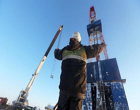 النفط مستقر قرب أعلى مستوى في 3 أشهر بفضل تقدم في اتفاق تجاري