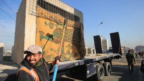 عود على بدء.. المحتجون يعيدون قطع الطرق في بغداد