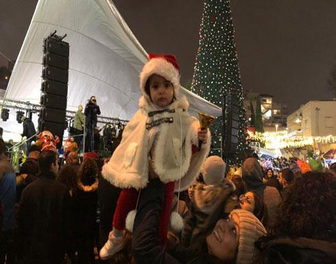بالفيديو : الناصرة تحتفل بإضاءة شجرة الميلاد الأكبر في البلاد