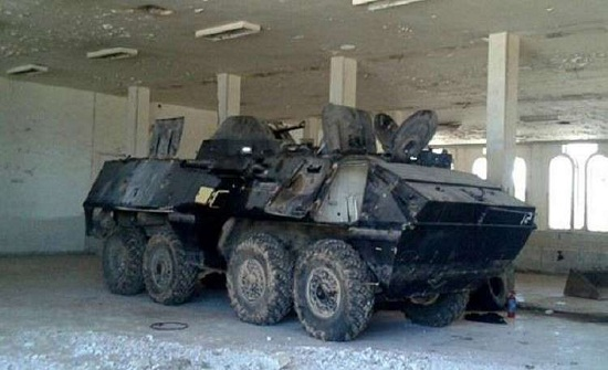بالصور : الجيش السوري يعثر على مستودعات أسلحة عند معبر نصيب
