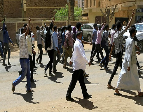 السودان.. تواصل الاعتصام أمام مقر قيادة الجيش بالخرطوم