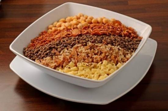 هل تعرف ما هو أصل أكلة الكشري المصرية وما معناها؟