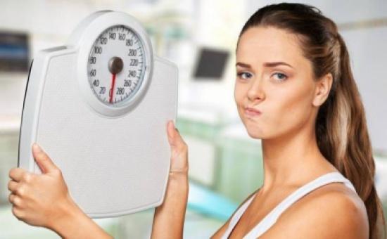 ليسَ وحده الطعام يزيد الوزن.. إليكم سبباً آخر يؤدي لذلك