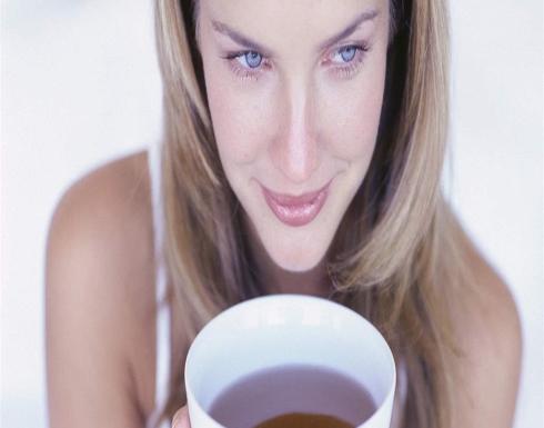 افضل مشروبات صباحية لحرق دهون البطن