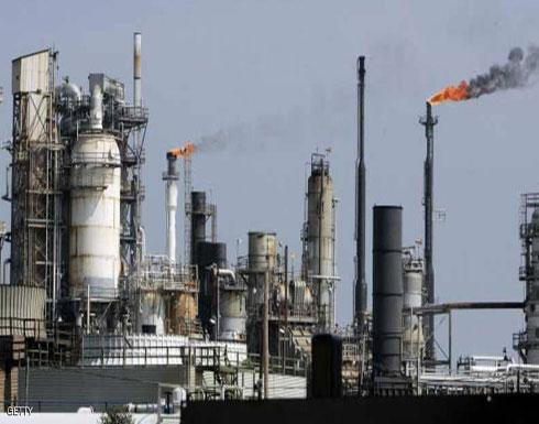 النفط يقفز بدعم من هبوط في المخزونات الأميركية