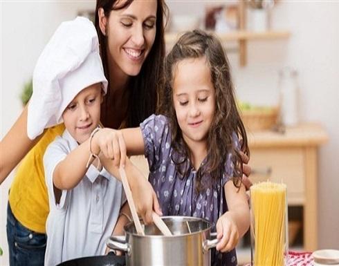 الطهي فرصة لتعليم الأطفال قواعد النظافة