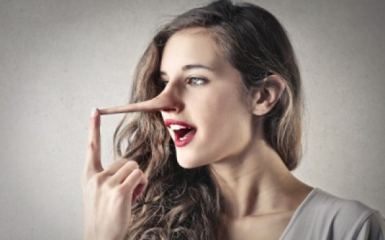 من خلال لغة الجسد.. اكتشف كذب الآخرين؟