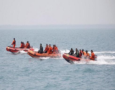 إندونيسيا تمدد البحث عن ضحايا الطائرة وصندوقها الأسود