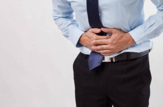 8 أسباب لـوجع أسفل البطن عند الرجال