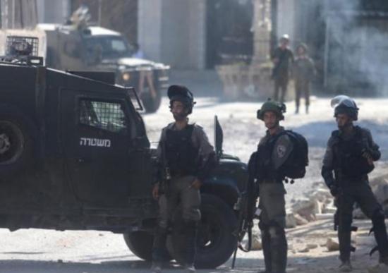 جرحى ومعتقلون باقتحام قرية منفذي هجومي القدس