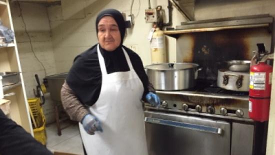 زوجان فرنسيان يُهديان مطعمهما لعائلة سورية لاجئة