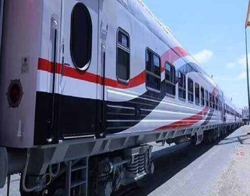 خروج عربة قطار عن القضبان في بني سويف المصرية دون وقوع إصابات .. بالفيديو
