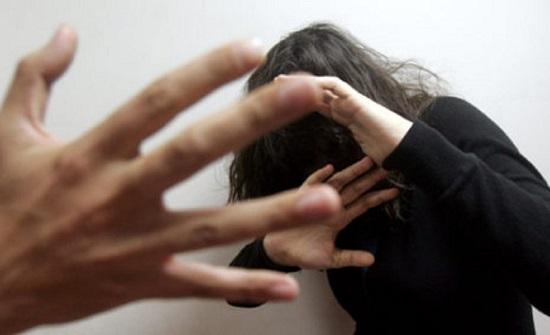 """مصر : سيدة تشكو بخل زوجها: """" يضربني عند إضاءة الأنوار """""""