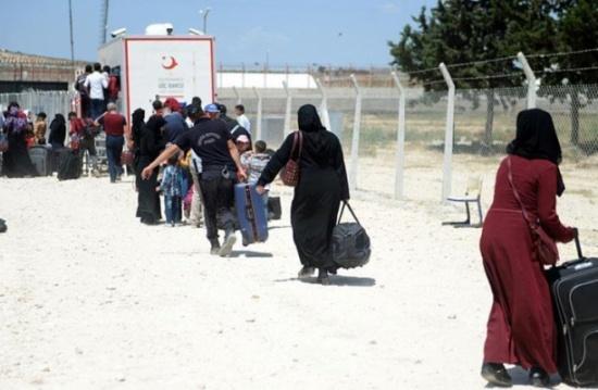 150 سوريا يعودون من تركيا إلى بيوتهم شرق الفرات
