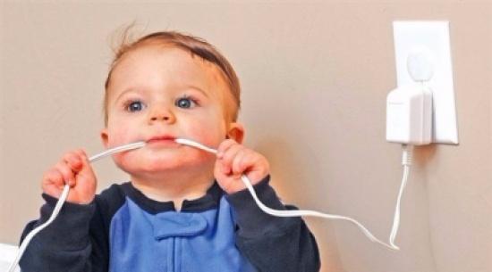 نصائح لحماية طفلك في المنزل مع بداية مشيه