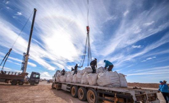الأردن يستمر في ادخال مساعدات إنسانية للركبان عبر حدوده