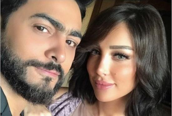 سيلفي تامر حسني وزوجته بسمة بوسيل – بالصورة