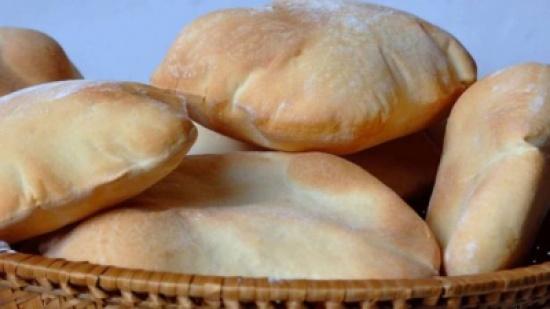 حيلة بسيطة لإعادة الخبز الجاف إلى حالته الطبيعية