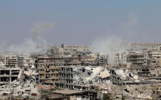 نواب بريطانيون يطلبون إلقاء مساعدات على شرق حلب