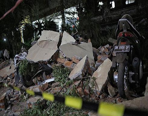 إنقاذ رجل من تحت أنقاض مسجد بعد يومين من زلزال إندونيسيا
