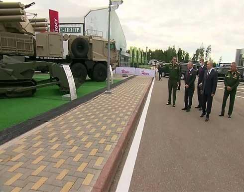شاهد : الملك عبدالله الثاني يلتقي الرئيس الروسي بوتين