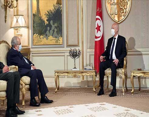 الرئيس التونسي يبحث مع وزير خارجية الجزائر قضايا إقليمية
