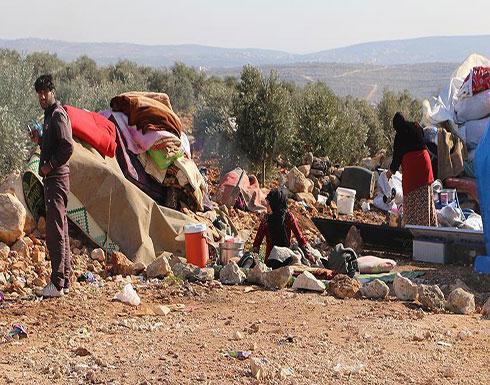 """""""أطباء بلا حدود"""": عشرات آلاف الأسر السورية نزحت نحو الحدود مع تركيا"""