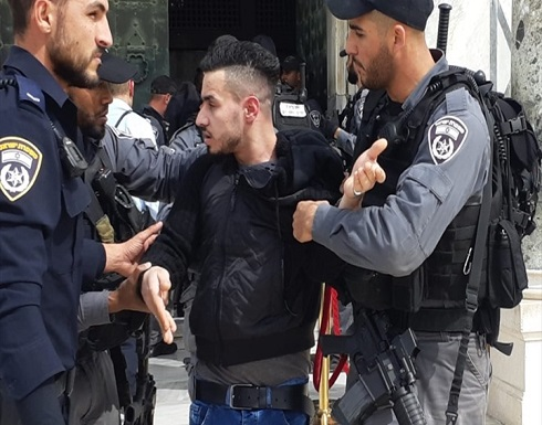 الاحتلال يعتقل شابين بعد الاعتداء عليهما بالقدس
