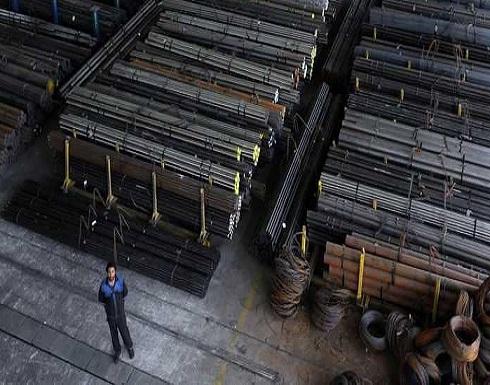 رعب يجتاح إيران.. توقف الشركات وتسريح آلاف العمال