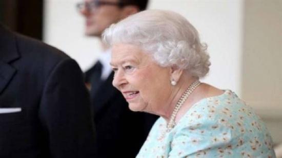 """معاقبة مورد الملابس الداخلية للبلاط البريطاني لنشره """"قياسات"""" الملكة"""