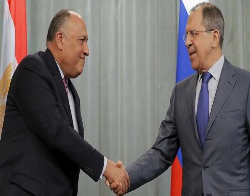 وزيرا خارجية روسيا ومصر يرحبان بتصريحات الأطراف الليبية بشأن وقف إطلاق النار