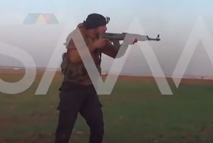 شاهد .. اشتباكات بين المعارضة وقوات النظام في ادلب