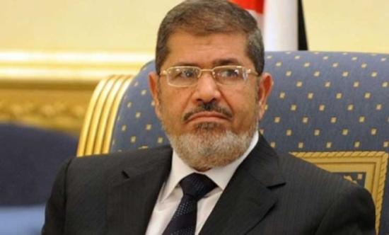 البرادعي: المجلس العسكري وافق على مقترح بخروج مرسي إلى بلد عربي