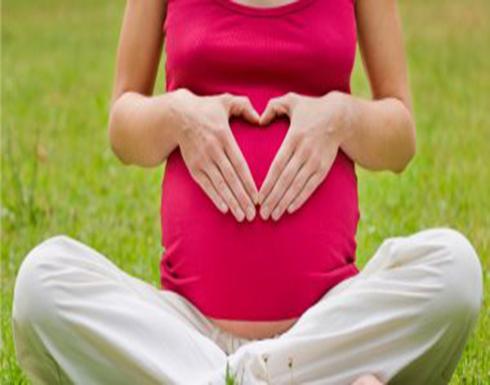 دراسة: المرأة القادرة على الإنجاب ينجذب إليها الذكور وتتمتع برائحة ذكية