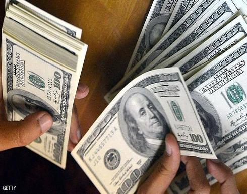 الدولار يصعد.. واليورو يتكبد أكبر خسائره منذ شهور
