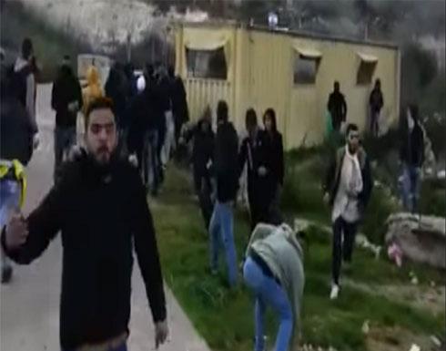 شاهد : مقتل شاب فلسطيني بنيران الجيش الإسرائيلي في الضفة الغربية
