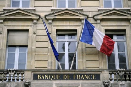 """نيويورك تايمز : في فرنسا  هل أصبح وجود المسلمين   مرفوضا وباتوا """"العدو من الداخل""""؟"""