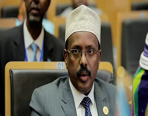 رئيس الصومال يوقع قانونا يمدد فترته الرئاسية عامين