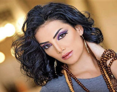 """فنانة مصرية : """"بقالي سنتين مببصش في المراية وتليفوني مبقاش بيرن """""""