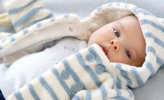 8 طرق الفعالة لتدفئة أطراف طفلك في الشتاء