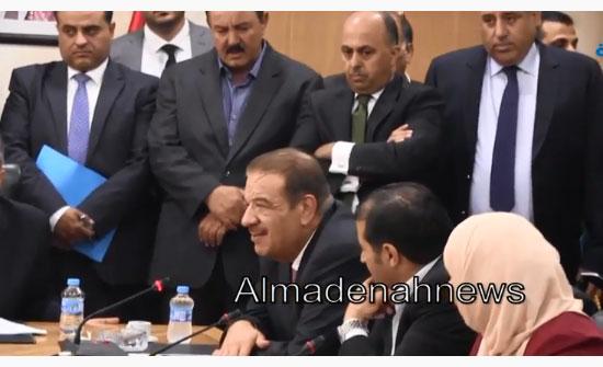 شاهد بالفيديو : كلمة مؤثرة للدغمي قبل انسحابه من رئاسة اللجنة القانونية